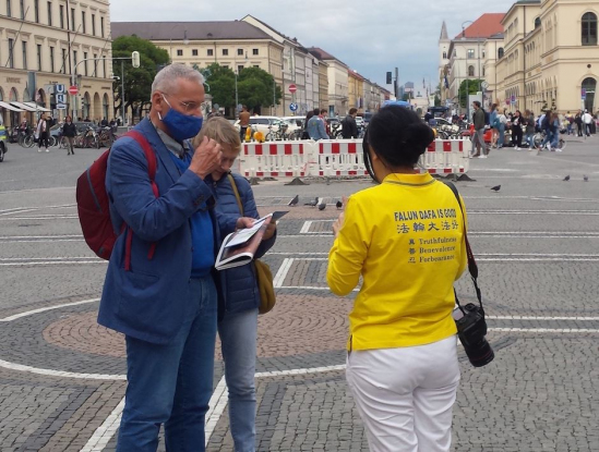 2020 5 31 munich spreading falun gong truth 01